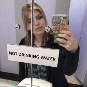 Girl public bathroom pic